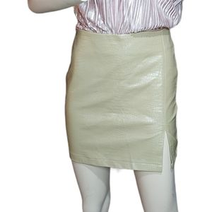 🌼3/$30 Sans Souci Nude Faux Leather Skirt Small